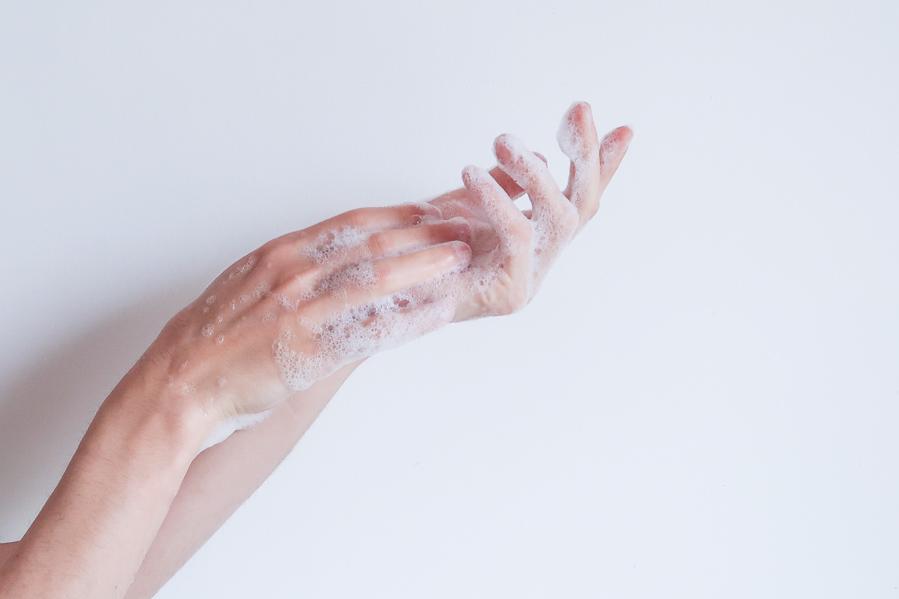 Meilleur-savon-bébé-toute-famille-comment-choisir-surgras-naturel-bio-bain-toilette-laver-doux-peau-visage-atopique-lea-pilea-blog-08