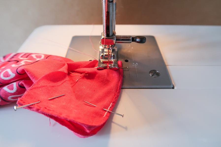 DIY-Coudre foulchie-tuto-tres-facile-avec-bandana-chouchou-foulard-sans-patron-cheveux-noeud-lea-pilea-blog-09
