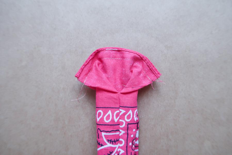 DIY-Coudre foulchie-tuto-tres-facile-avec-bandana-chouchou-foulard-sans-patron-cheveux-noeud-lea-pilea-blog-10