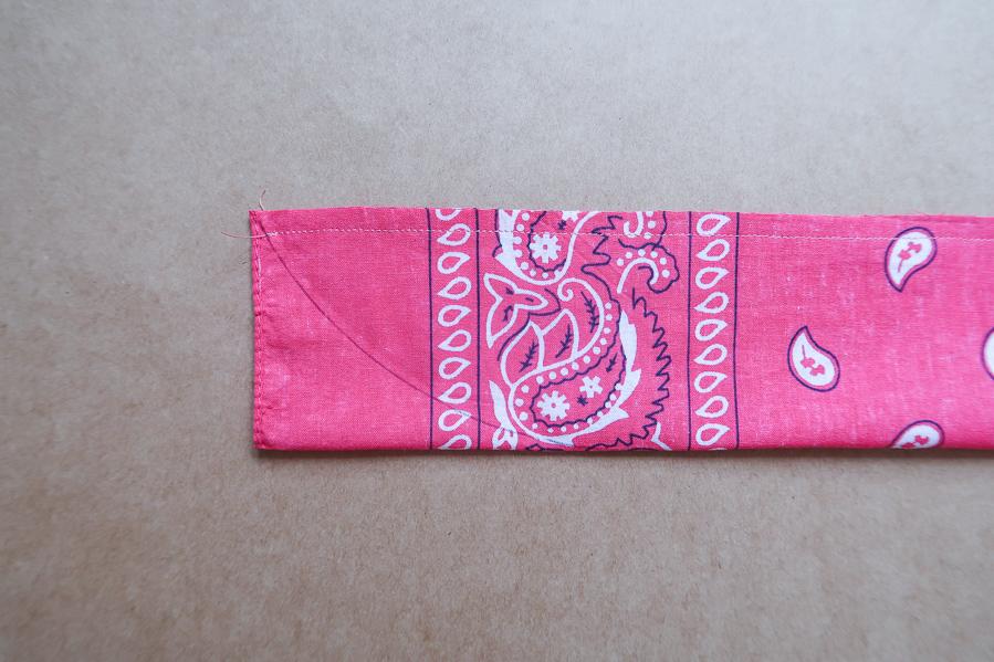 DIY-Coudre foulchie-tuto-tres-facile-avec-bandana-chouchou-foulard-sans-patron-cheveux-noeud-lea-pilea-blog-19