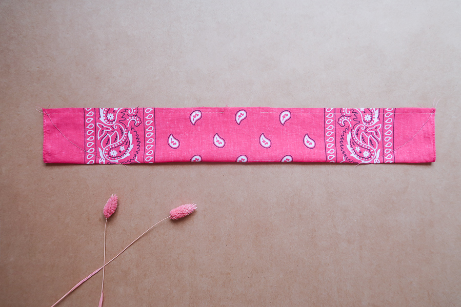 DIY-Coudre foulchie-tuto-tres-facile-avec-bandana-chouchou-foulard-sans-patron-cheveux-noeud-lea-pilea-blog-20