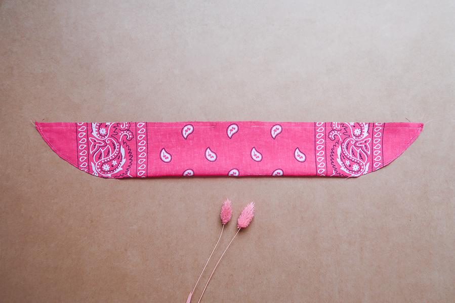 DIY-Coudre foulchie-tuto-tres-facile-avec-bandana-chouchou-foulard-sans-patron-cheveux-noeud-lea-pilea-blog-22