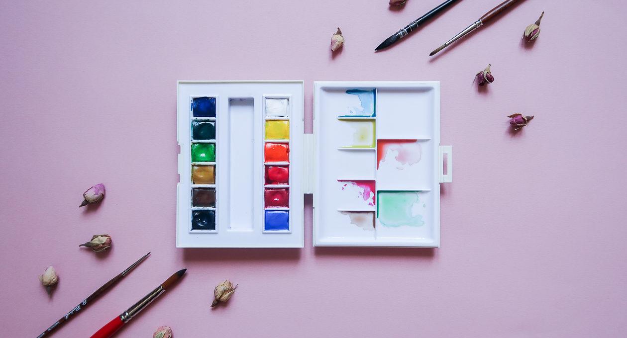Mon-materiel-peinture-debutant-debuter-aquarelle-palette-pinceau-papier-facile-pas-cher-que-choisir-sennelier-canson-en-ligne-de-voyage-raphael-lavis-indispensable-lea-pilea-blog-02