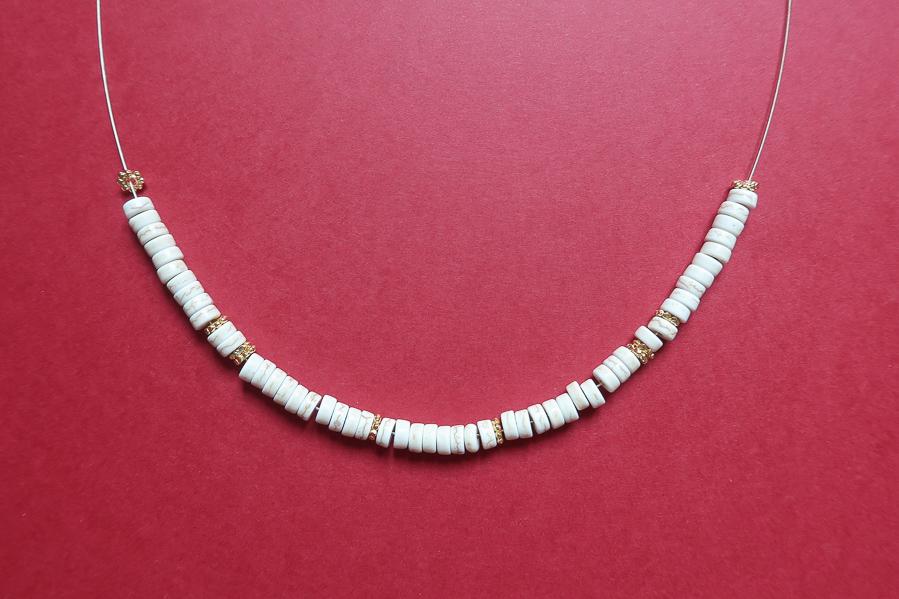 DIY-tutoriel-fabriquer-collier-josh-esprit-sezane-tuto-facile-perles-heishi-surfeur-leapilea-blog-06
