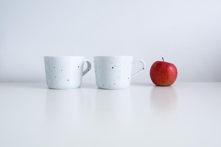 DIY-tutoriel-donner-effet-mouchete-vaiselle-ceramique-porcelaine-peindre-tasse-carafe-vase-assiette-bol-mug-tuto-simple-facile-pebeo-leapilea-blog-07